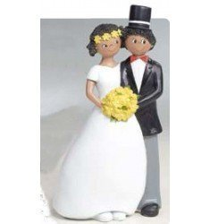 Figure cake Wedding couple with bouquet
