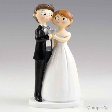Grooms toast together Pop&Fun