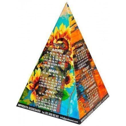 Calendario en forma pirámide
