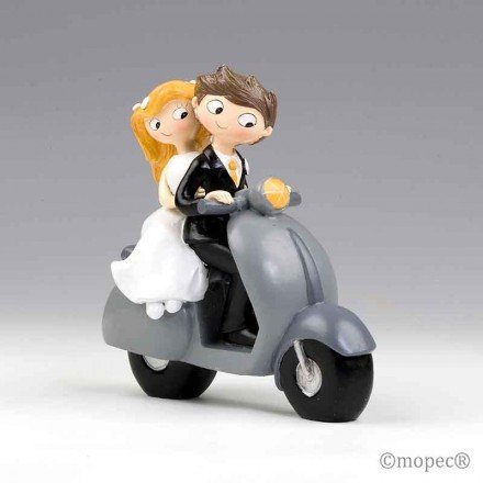 Figura pastel novios Pop&Fun en scooter