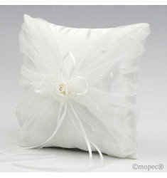 Cushion alliances ivory flower with beads