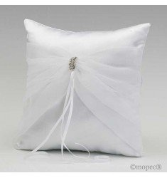 Pillow alliances white tulle brooch
