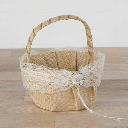 Basket arras with lace and pearl flower brooch