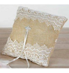 Cushion burlap alliances with lace and detail rhinestones