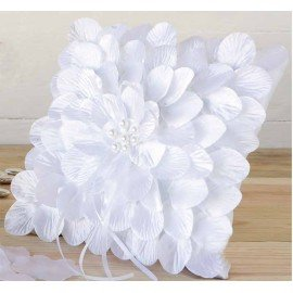 Cushion white petals